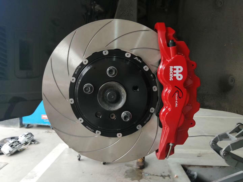 宝马五系F18 刹车改装AP8521搭配AP380划线盘  全原装!