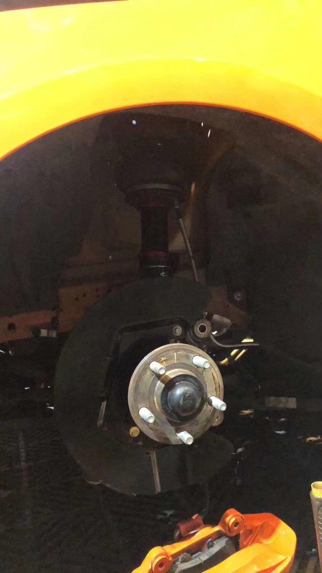 福特野马 AIRBFT气动避震施工实拍 三段记忆版本 手机APP遥控 AIRBFT静音泵