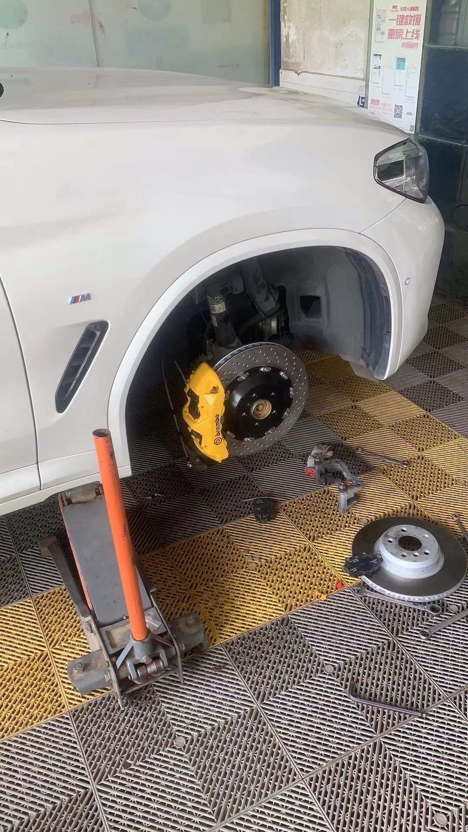 宝马X3 刹车卡钳改装布雷博Brembo GT6配380打孔碟盘