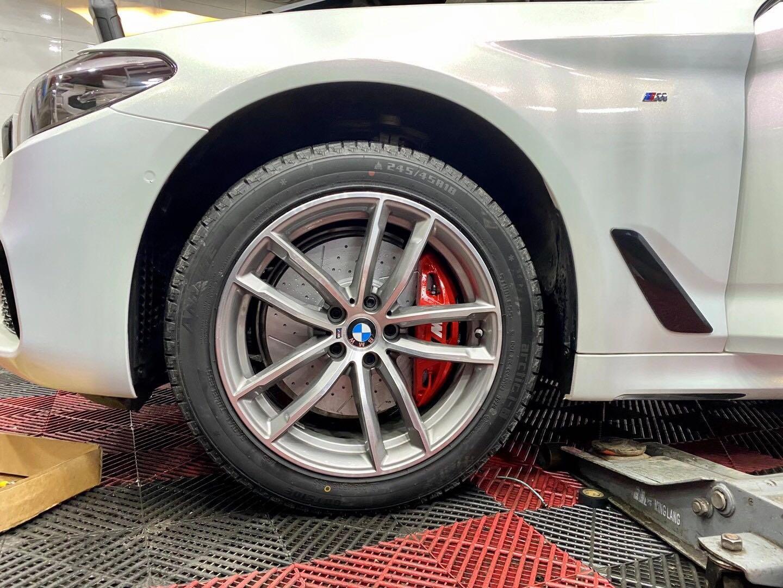 宝马525 G38 刹车升级前轮MP四活塞套件,原装位安装