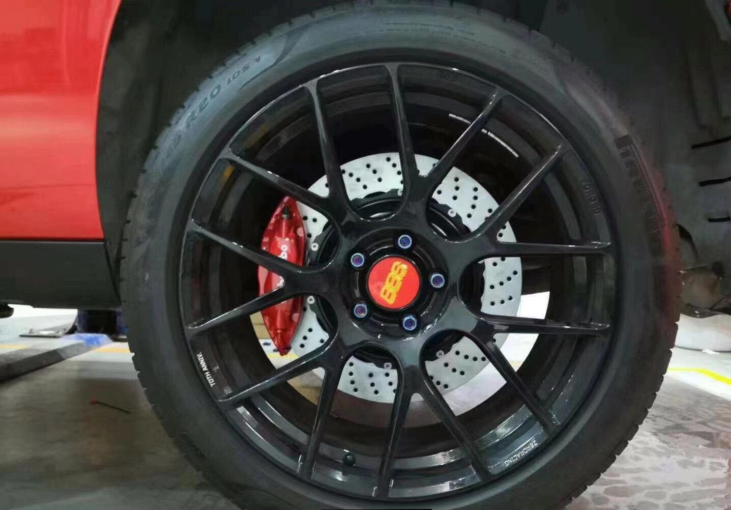 道奇挑战者升级布雷博Brembo前6后4刹车卡钳套装,性能提升,效果棒棒滴!