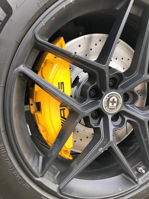 奔驰GLE53  升级AMG63 六活塞刹车卡钳套装,原厂原位安装,定制颜色