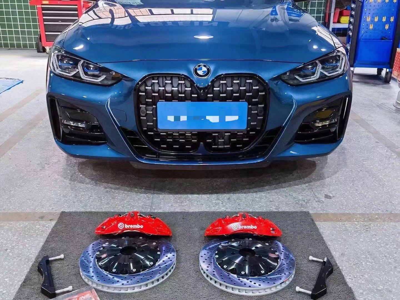宝马新4系 升级BREMBO六活塞配-380打孔高碳碟[呲牙]