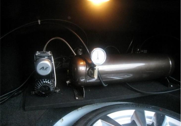 英菲尼迪m35改气动悬挂图片
