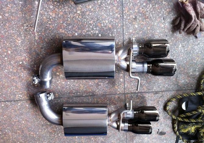 奥迪A4L改装四出排气管超跑声浪