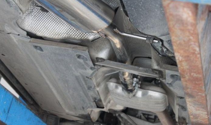 奥迪A4L改装四出排气管超跑声浪高清图片