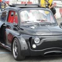 最强动力菲亚特500装兰博基尼V12引擎