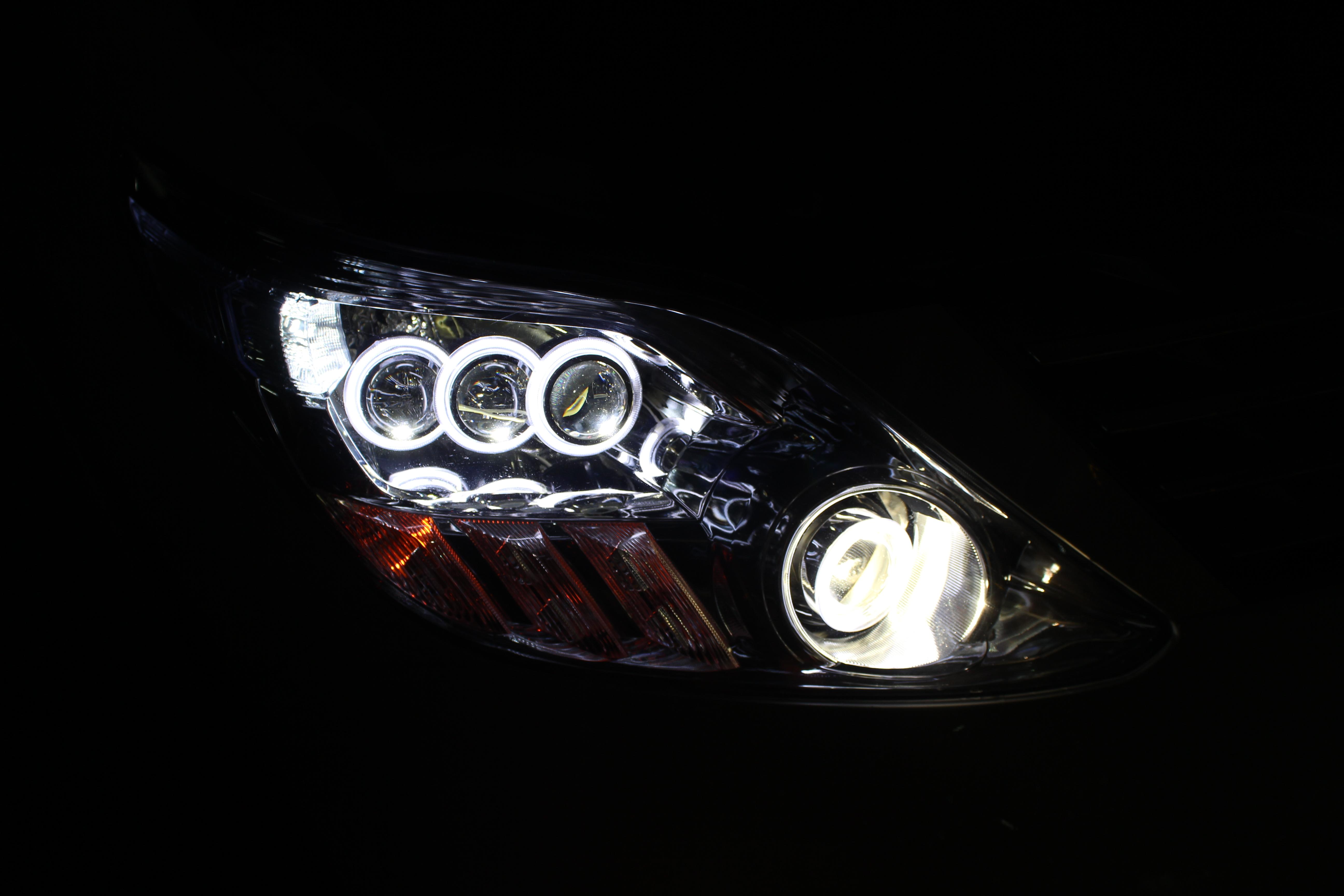 灯知识咨询·大灯升级改装·灯饰方案设计·大灯维护修理   高清图片