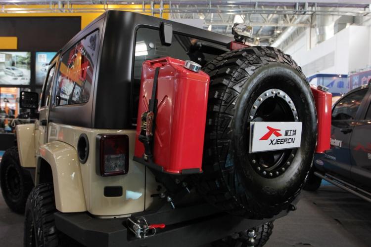 大脚怪 jeep牧马人霸气改装高清图片