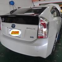 丰田-普锐斯 来厂安装高质量DGR避震器+上、下拉桿