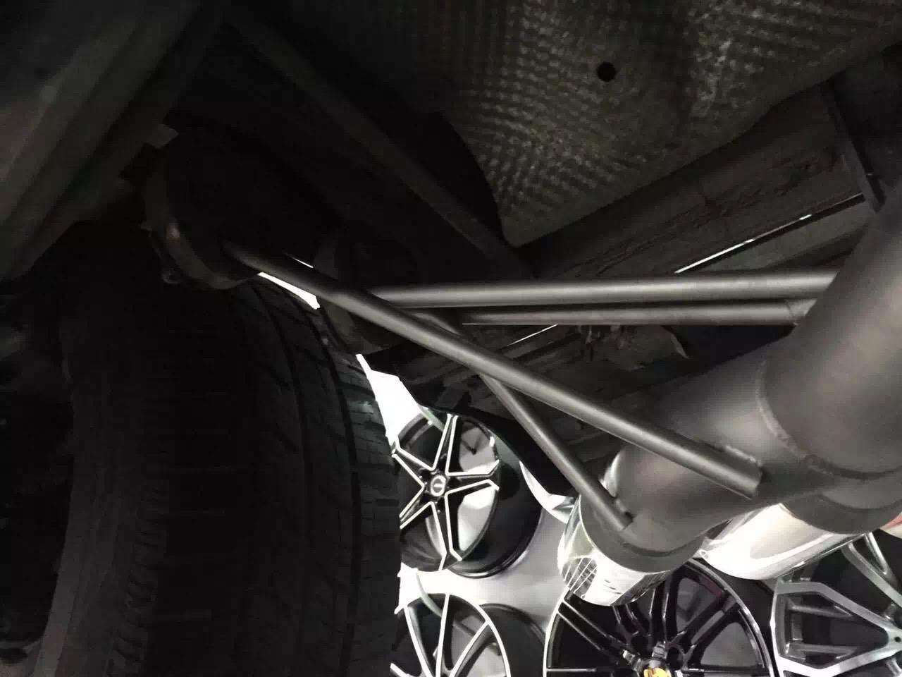 奔驰G55 W463改装阀门排气高清图片