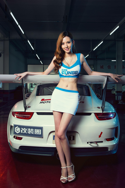 周一上新 久违的泷泽萝拉 与改装车激情重燃 dt高清图片