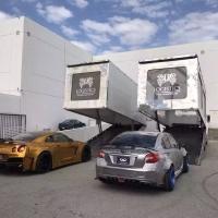 ??ACE FlowForm / AMF + KUHL Racing 双展车一切准备就绪。采用最先进的透明框架专列运输车,将从ACE总部出发前往2016 SEMA, Las Vegas.