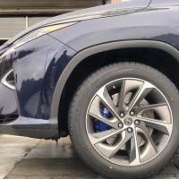 雷克萨斯RX300刹车升级前轮Ap9560六活塞套件,原装位安装。