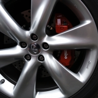英菲尼迪QX70改装BREMBO升级刹车卡钳改装
