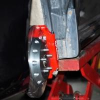斯巴鲁力狮改装AP5200刹车升级改装卡钳