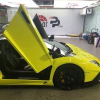 """""""速度机器""""兰博基尼LP700改色柠檬黄"""