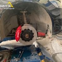 奥迪A6L刹车升级前轮Ap9040六活塞刹车卡钳改装案例图