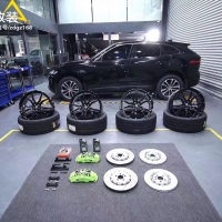 捷豹F Pace刹车升级英国AP9560大六定制荧光绿卡钳套件,后轮换一对加大盘套装!