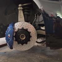 宝马530Li刹车改装原厂Mp六活塞刹车卡钳套装