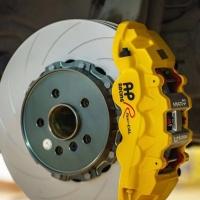 宝马5系刹车改装升级前轮Ap8521 六活塞搭配380线碟