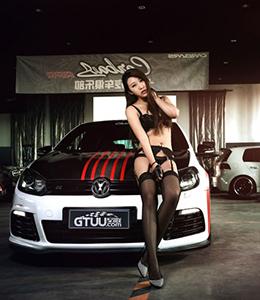 改装车间新来的美女技师 快看!