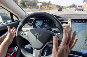 特斯拉优化车载Autopilot系统