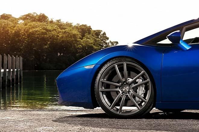 盖拉多安装一个四涡轮增压.在能够感受这款改装车的动力性能高清图片