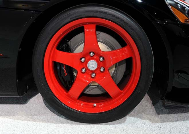 道奇蝰蛇道奇蝰蛇-美国上路标准的赛车车型SRT10 ACR蝰蛇高清图片