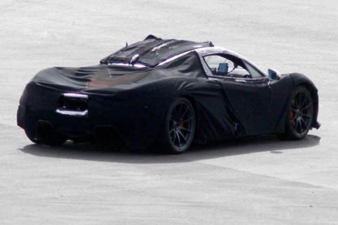 除了迈凯轮p1和保时捷918 spyder之外,法拉利enzo的继任者也将在明年