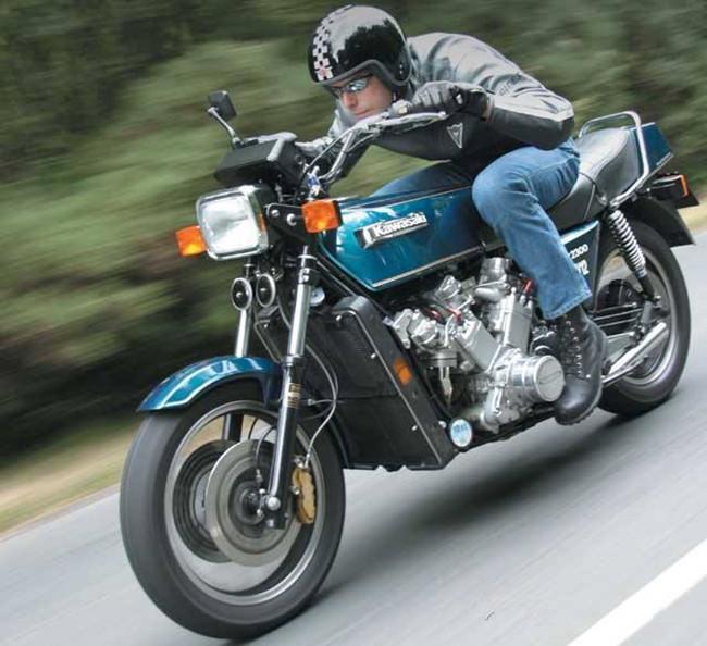 摩托车 沙龙/手工打造Kawasaki V型12缸的大摩托车...