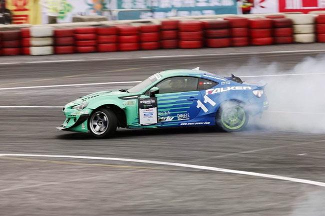 这是不一样的蓝绿烟火 飞劲车队参赛D1